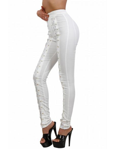 2 Pantalon slim taille haute à lacets. Finitions zip et oeillets dorés. La couleur est BLANC ECRUCe