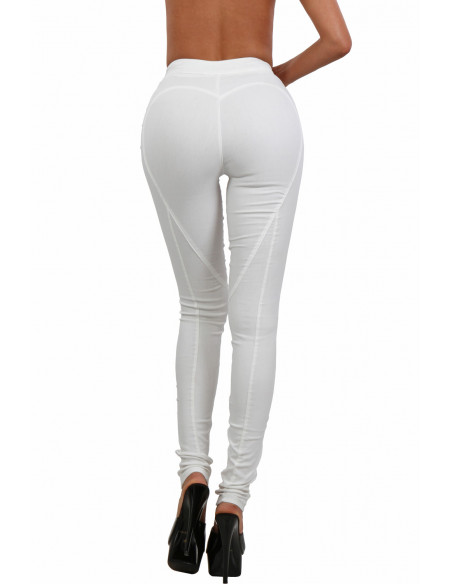 3 Pantalon slim taille haute à lacets. Finitions zip et oeillets dorés. La couleur est BLANC ECRUCe