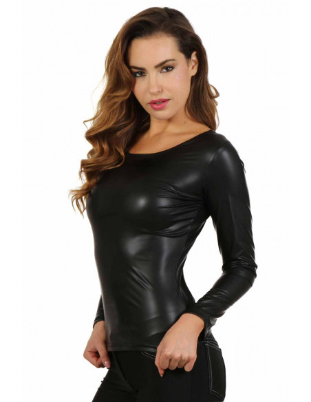 1 Top manche longue en wetlook effet latex. Col rond. Composition : Polyester 95%, Coton 5%
