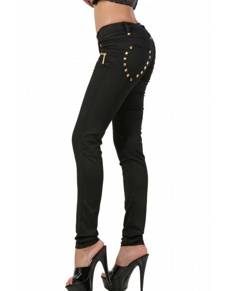 2 Pantalon stretch. Taille basse. Ceinture 6 passants. Fermeture zip devant. 2 poches fermeture zip de